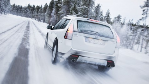 Cum conduci iarna? CINCI SFATURI UTILE