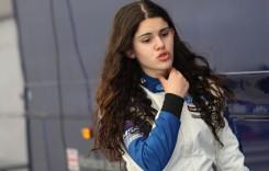 Pilotul român de 16 ani este …o femeie!