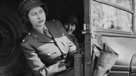 Regina-mecanic – Elisabeta a II-a a Marii Britanii a fost mecanic în cel de-al Doilea Război Modial