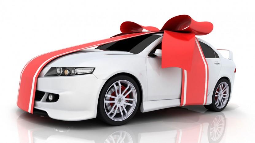 Moș Crăciun pasionat de mașini