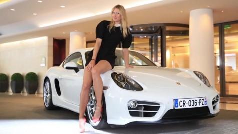 Maria Șarapova, la volanul unui bolid Porsche