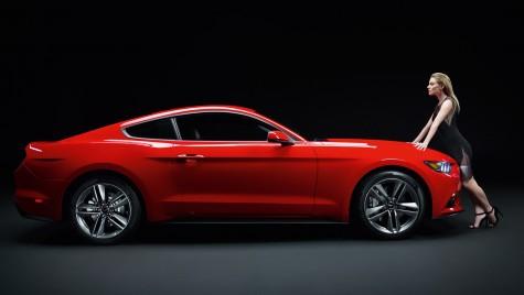 Doamnelor, anul acesta se poartă mult roșu. Ne vopsim mașina?