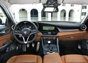 Alfa_Romeo-Giulia-2016-1600-29