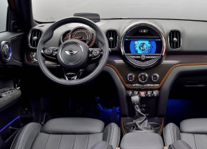 Mini-Countryman-2017-1600-ae