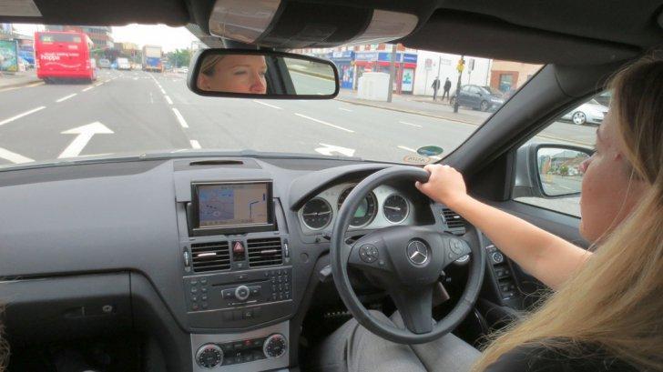 condus-dreapta