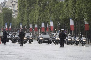 Emmanuel Macron DS7 (2)