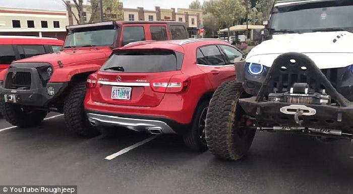GLA Double Parking parchezi aiurea