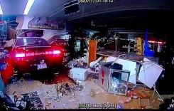 A intrat cu mașina în magazin să cumpere bere