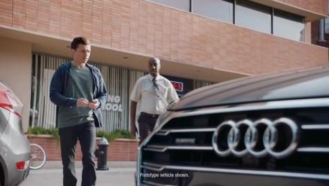 Spider-Man dă examen auto la volanul noului Audi A8