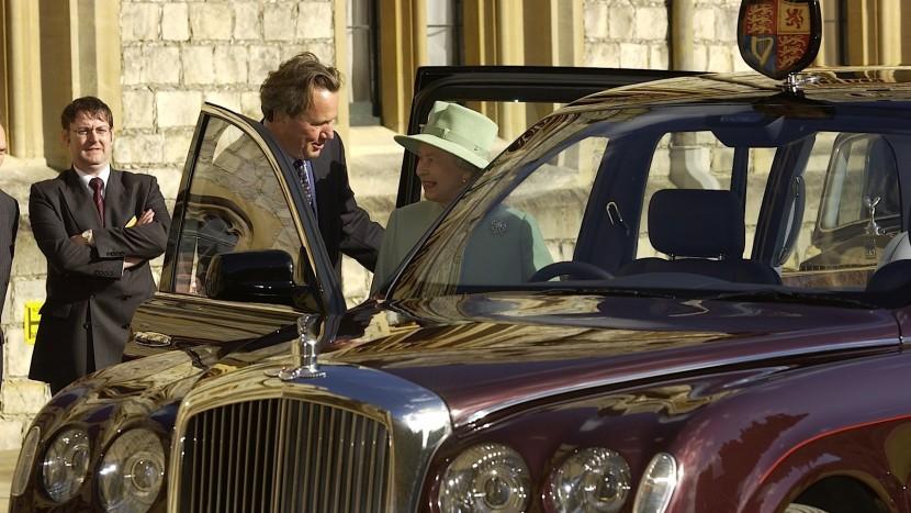 Regina Elisabeta a II-a (2)