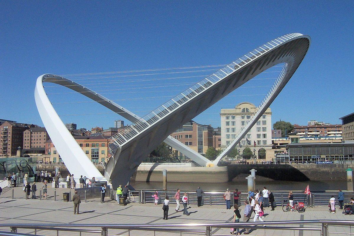 1200px-Gateshead_millennium_bridge_open