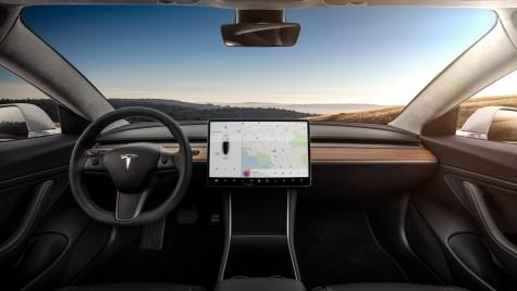 Asta-i tot? Așa arată interiorul noului Tesla Model 3