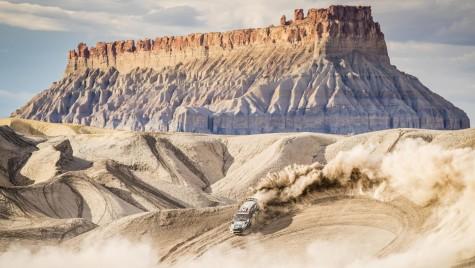Furtună în deșert – Uite cum își face de cap Ken Block