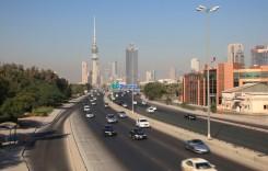 Arde autostrada în Kuweit. S-au atins 70 de grade Celsius!