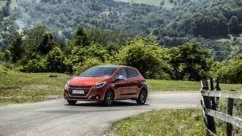 Test drive Peugeot 208 1.2 L PureTech Turbo – Regele leu