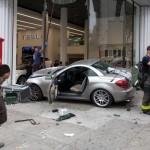 Tesla vs Mercedes SLK (2)