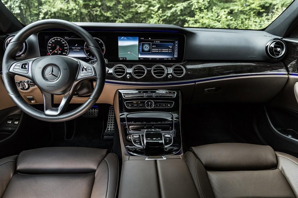 Mercedes-Benz E-Class All-Terrain (17)
