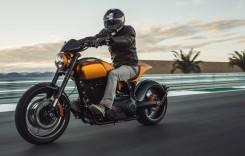 Keanu Reeves lansează trei motociclete la Milano