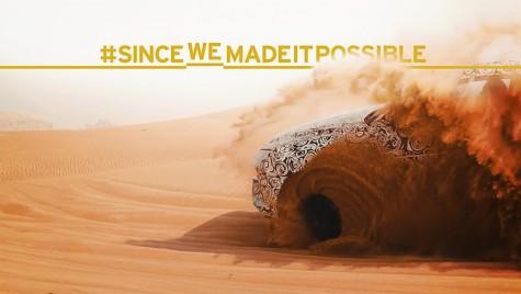 Un Lamborghini Urus camuflat își face de cap în deșert într-un teaser video