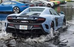 Amfibia. Iată McLaren-ul care înoată