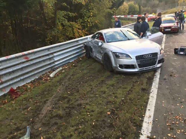 Nurburgring accident în lanț (3)