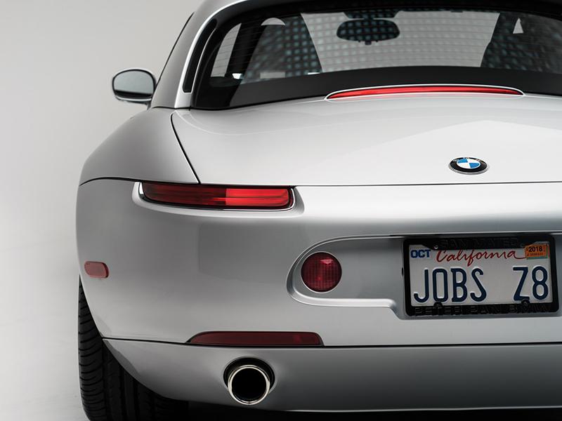 BMW-ul lui Steve Jobs va fi scos la licitație