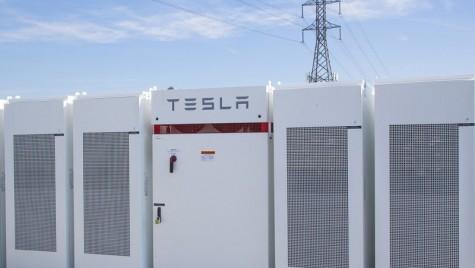 Tesla a construit cea mai mare baterie litiu-ion din lume