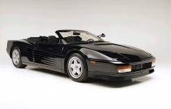 Se vinde un Ferrari Testarossa condus de Michael Jackson