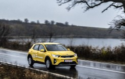 Hello, yellow! Test drive Kia Stonic 1.0T-GDI