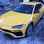 Lamborghini Urus pe strada (3)
