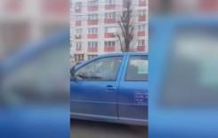 Un șofer din Constanța a fost filmat conducând de pe scaunul din dreapta