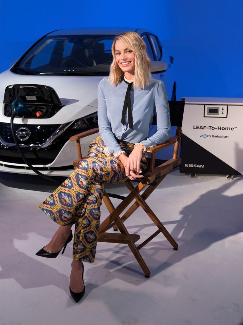 Margot Robbie Nissan LEAF (2)