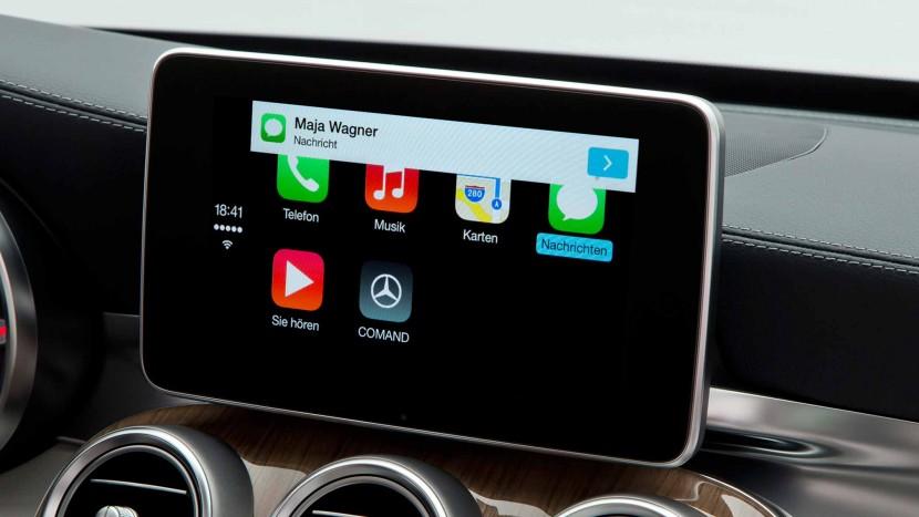 Cea mai recentă versiune de WhatsApp va funcționa și pe mașinile cu Apple CarPlay