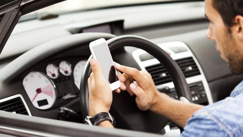 folosirea telefonului mobil la volan