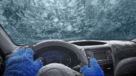 Cum să-ți dezgheți mașina rapid