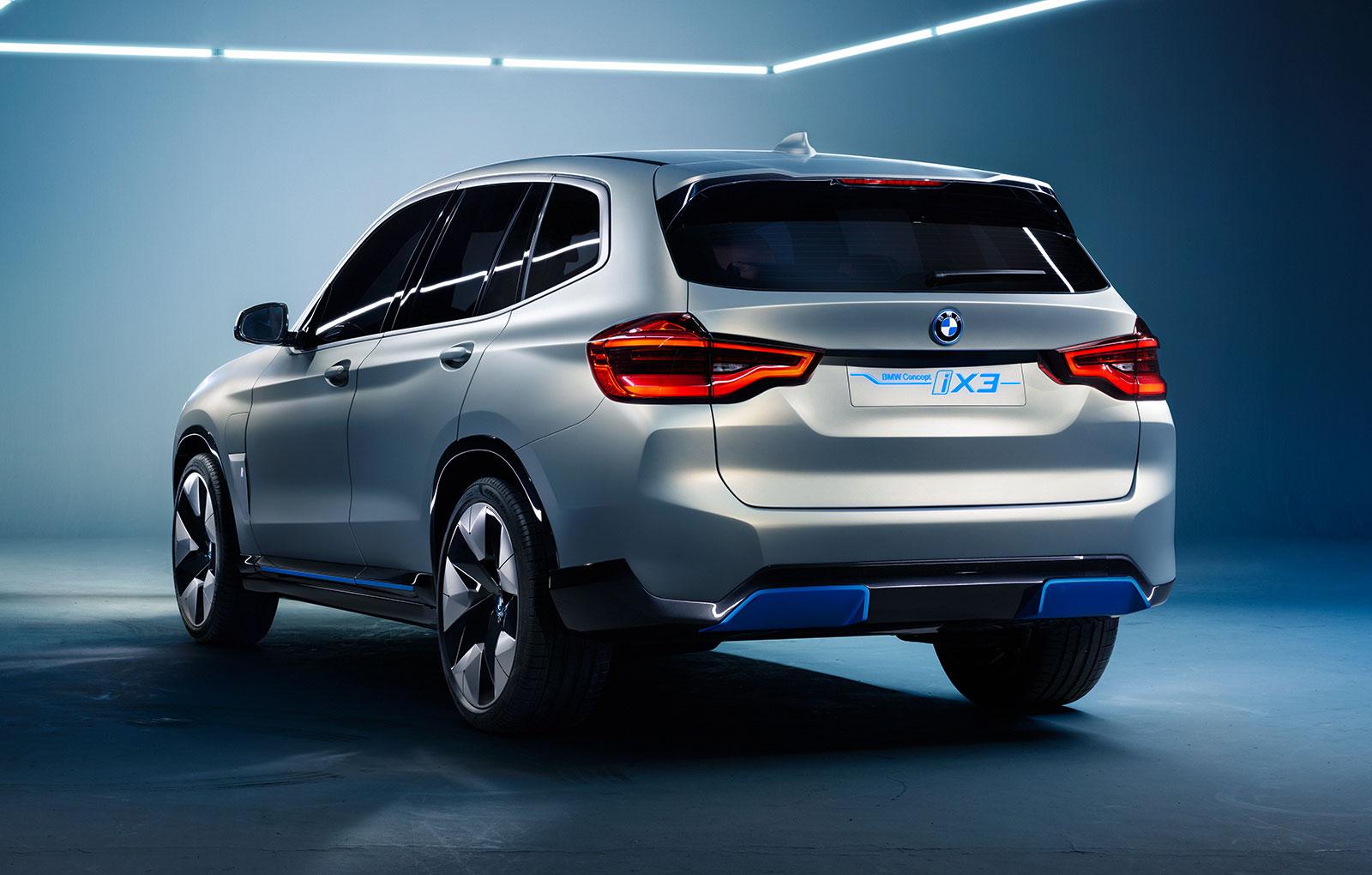 BMW-iX3-15