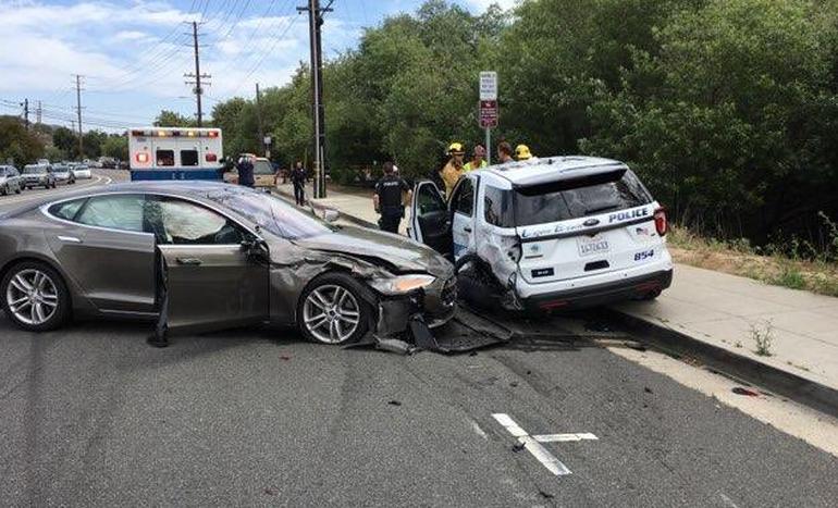 Tesla Model S accident (2)