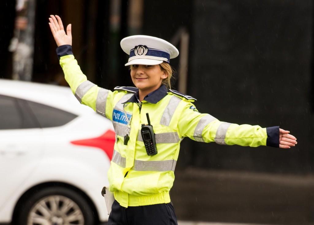 polițista intersecție