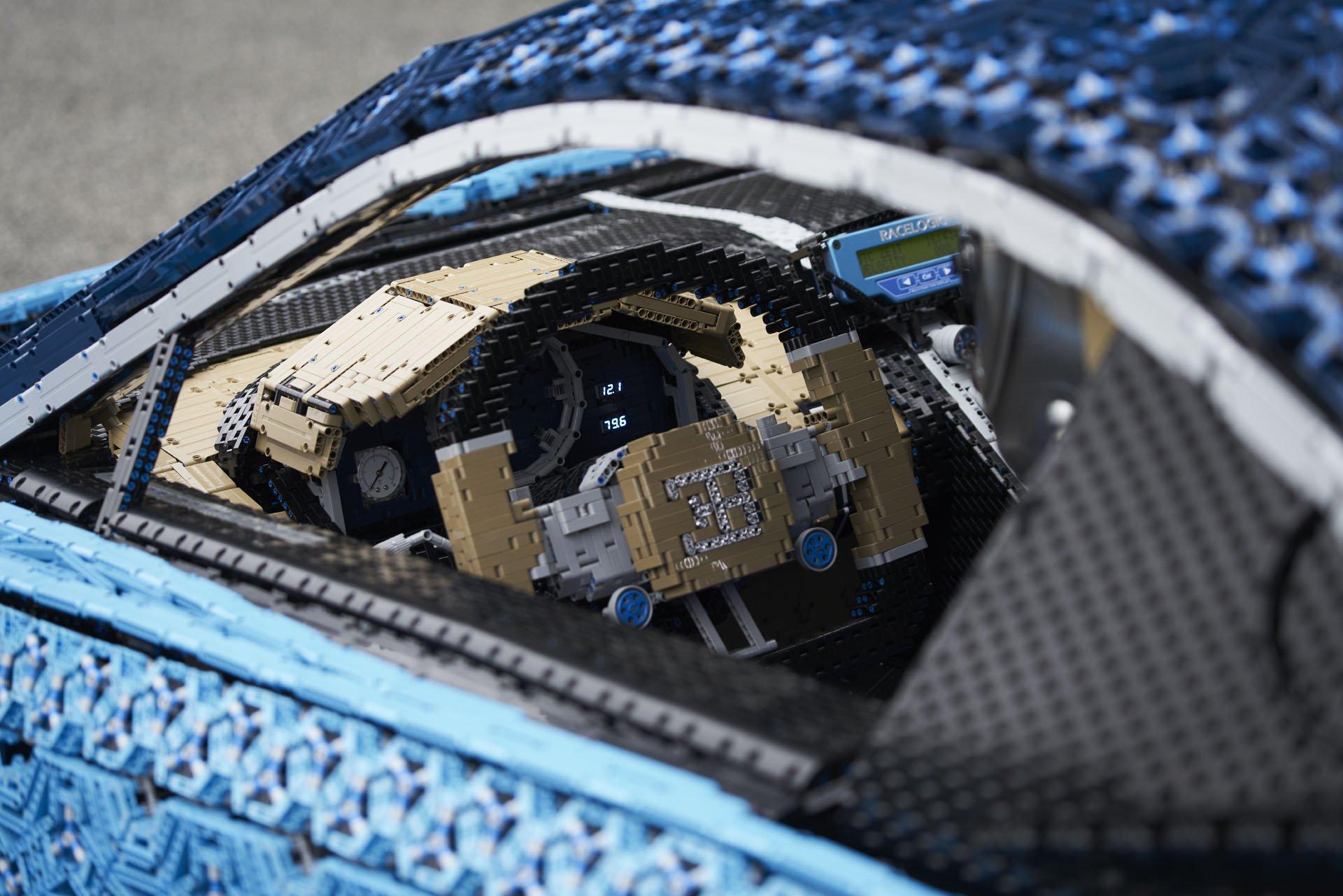Bugatti Chiron LEGO (14)