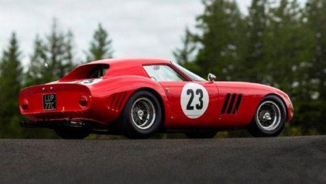 Un Ferrari 250 GTO a fost vândut la licitație cu o sumă fabuloasă
