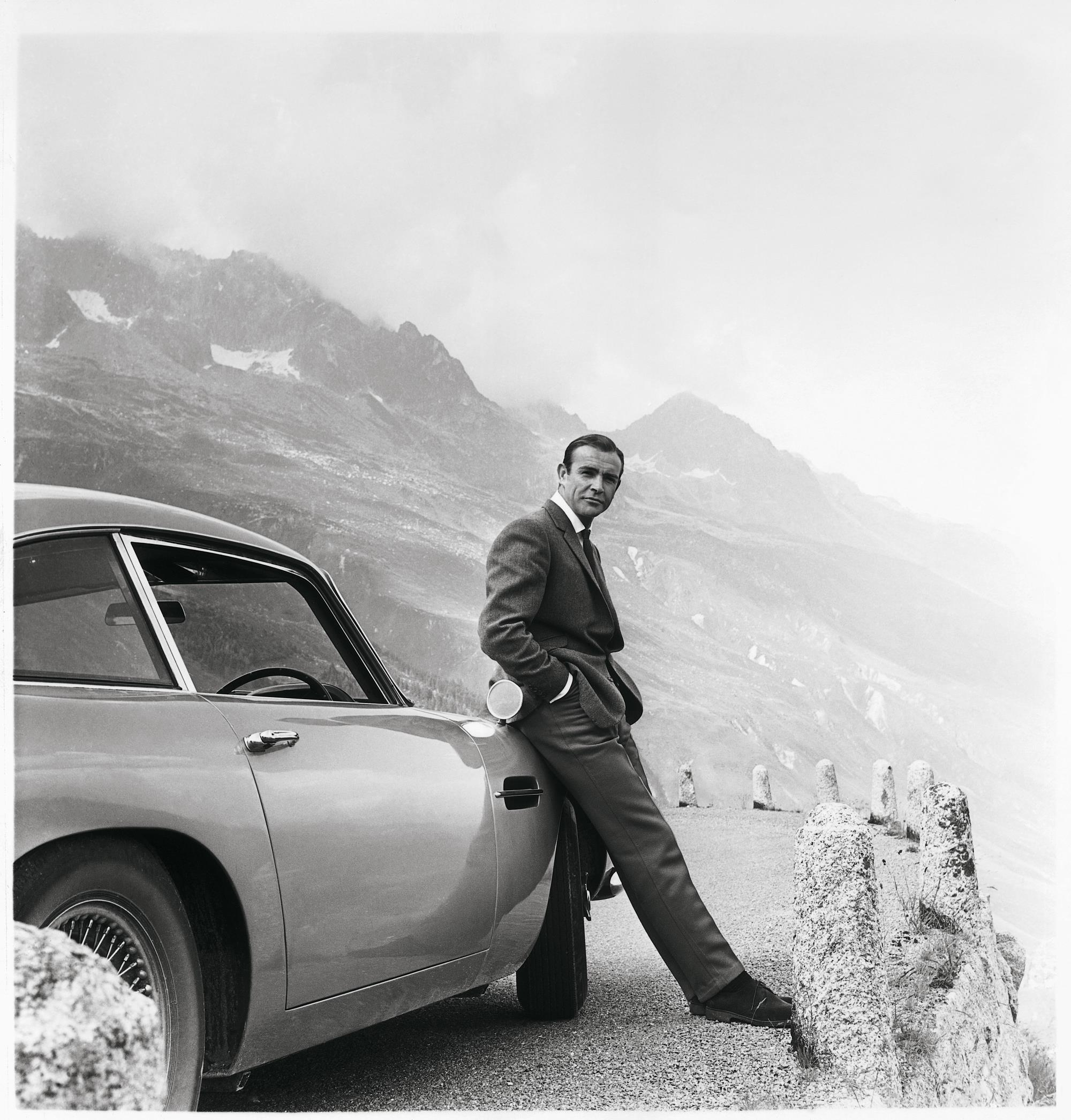 James Bond Aston Martin DB5 (5)