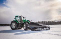 Record mondial: Tractorul autonom Valtra înlătură zăpada cu o viteză de 73,171 km/h