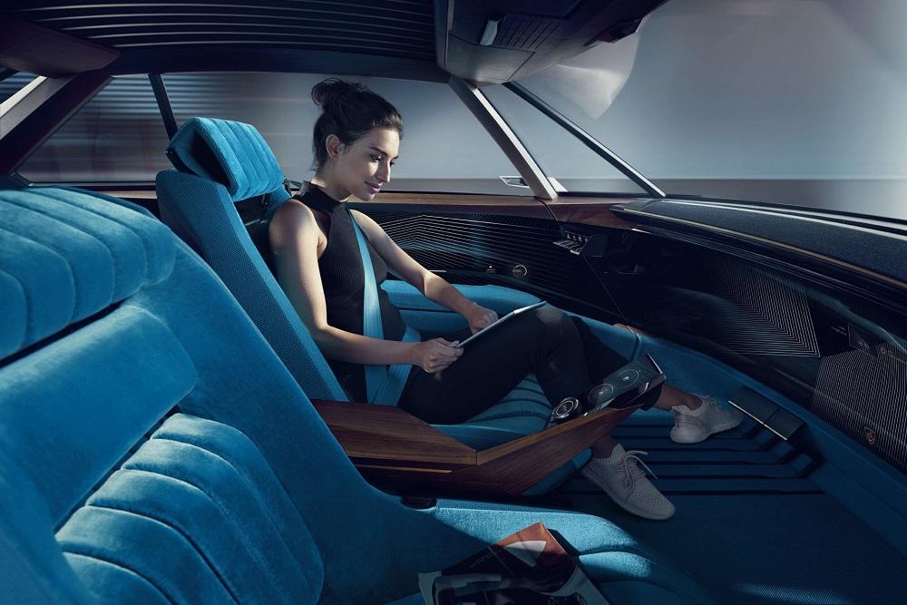 Conceptul Peugeot e-Legend (1)