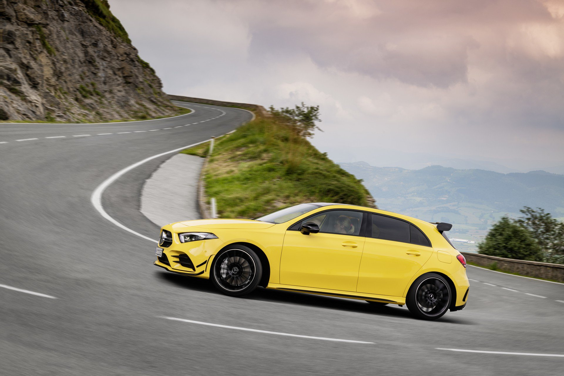 Noul Mercedes-AMG A 35 4MATIC (16)