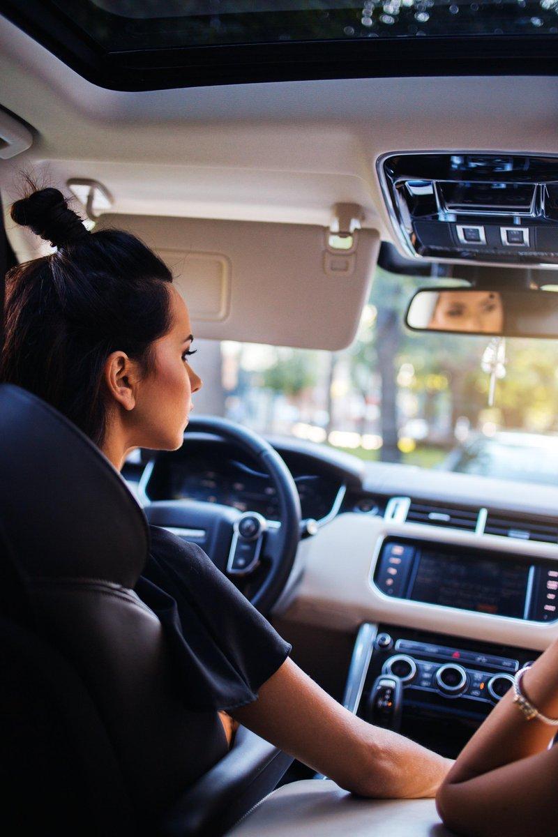 Inna Range Rover