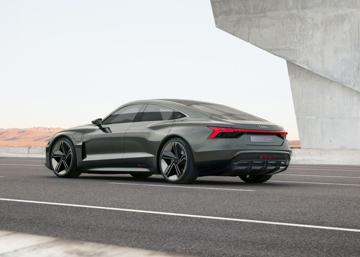 Conceptul Audi E-Tron GT Sedan (10)
