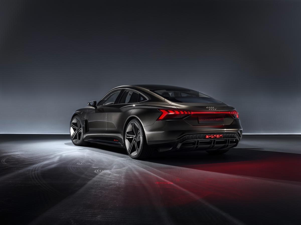 Conceptul Audi E-Tron GT Sedan (12)