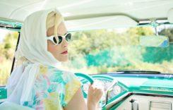 Trei cosmetice care nu trebuie să lipsească din torpedoul mașinii tale