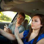 Șofer sau pasager. Ce preferi? Argumente PRO și CONTRA