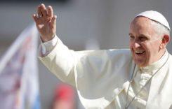 Papa s-ar putea deplasa cu un papamobil 100% românesc